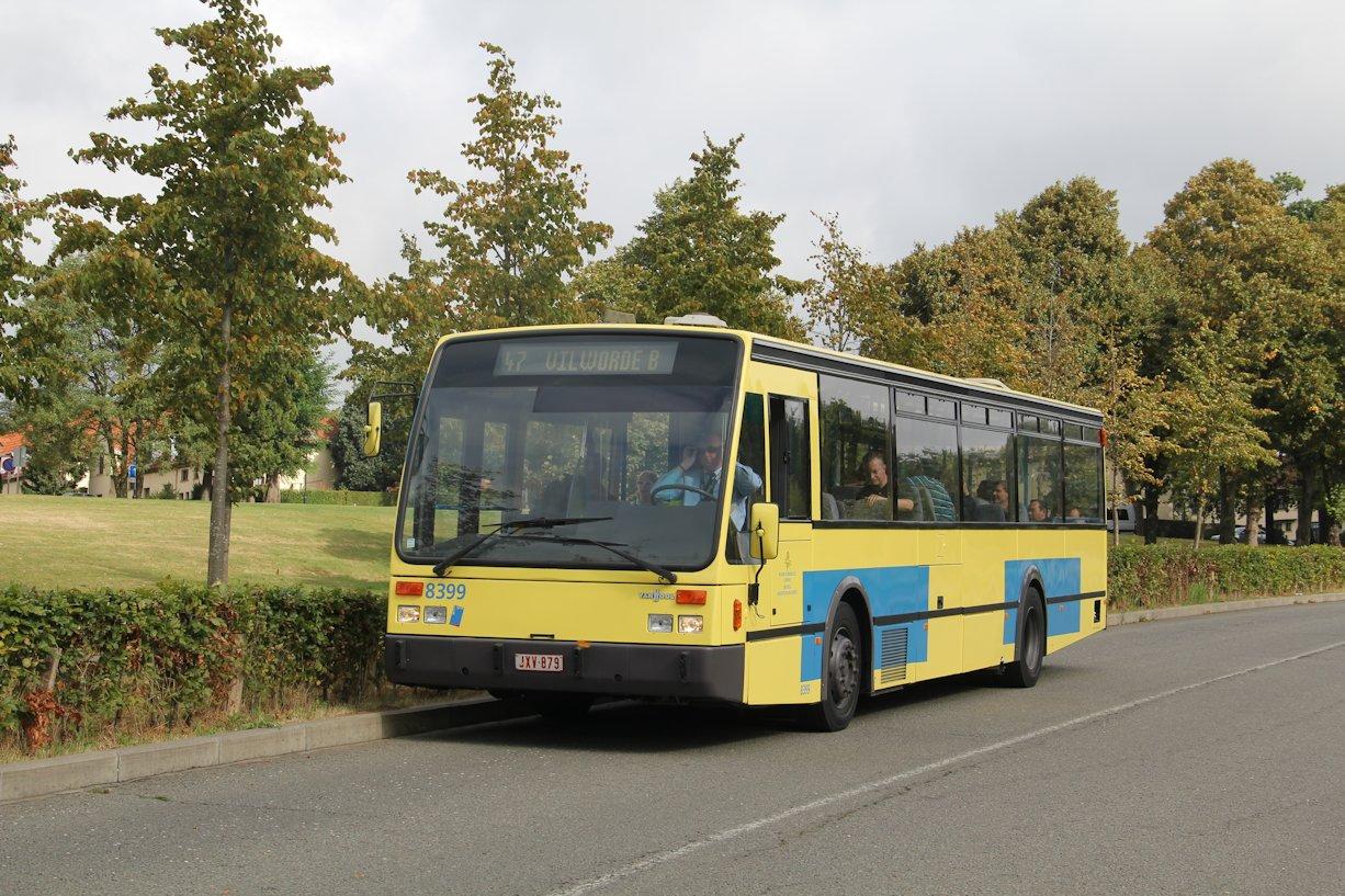Rénovation De L'autobus Van Hool 8399