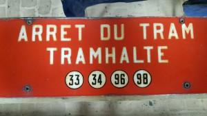 Plaque d'arrêt - avenue de la Couronne