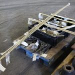Motrice 984 en rénovation : pièces en laiton