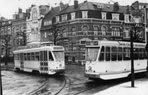 Motrice 7145 (ligne 103) et motrice 9078 (ligne 75)